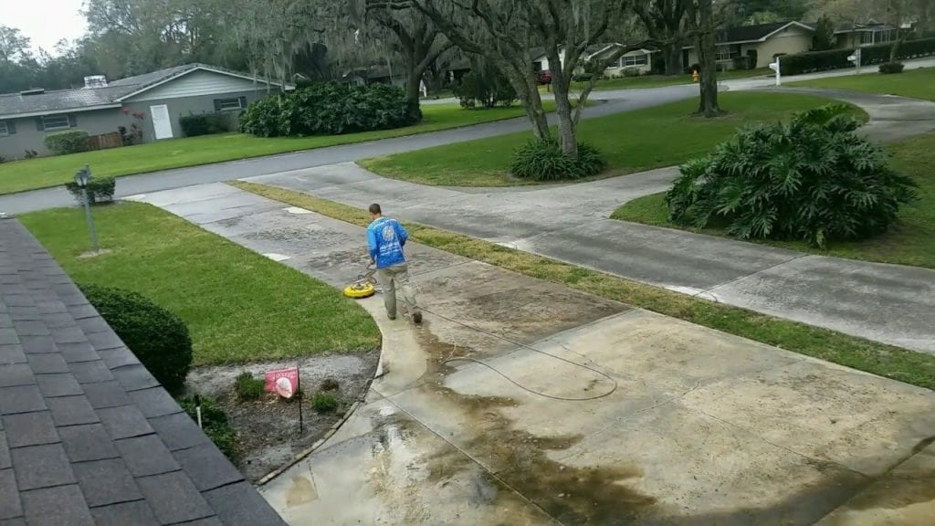 A proper driveway cleaning can set a house apart from the rest of the neighborhood! It's also the first thing that guests to your home will notice. Here in Florida, concrete surfaces quickly become black with mold and algae.
